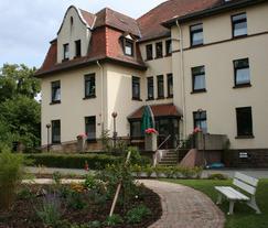 Theodor-Wei�-Haus